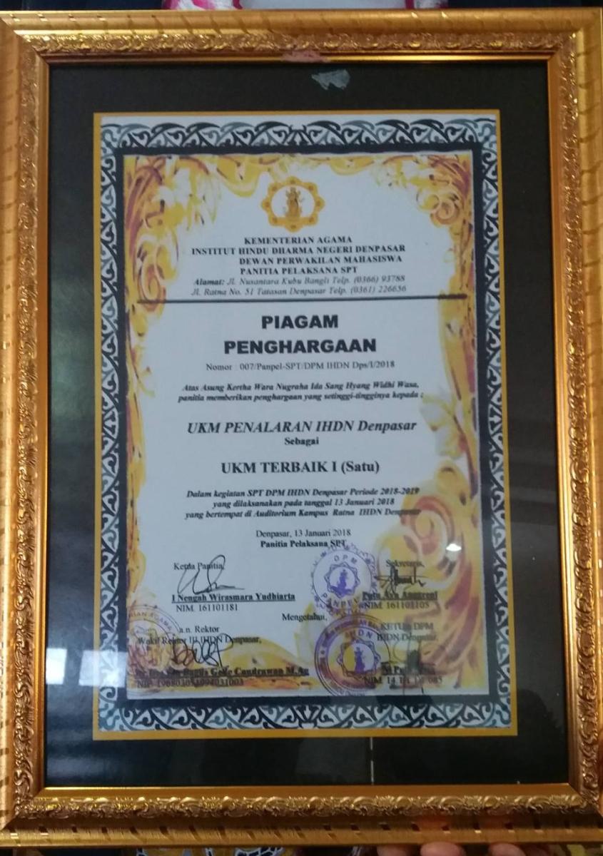 UKM Penalaran dan Riset Raih Prestasi UKM Terbaik I IHDN Denpasar Tahun 2018